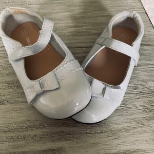 Girls white dress shoes